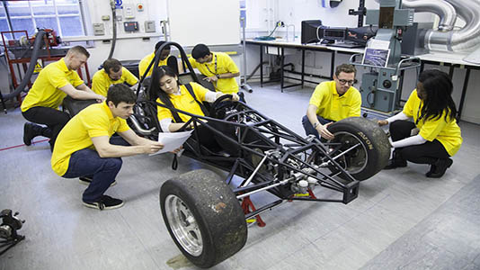 students-vehicle-mechanics